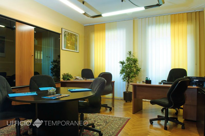 Stanza ufficio condivisa milano stazione centrale for Uffici temporanei
