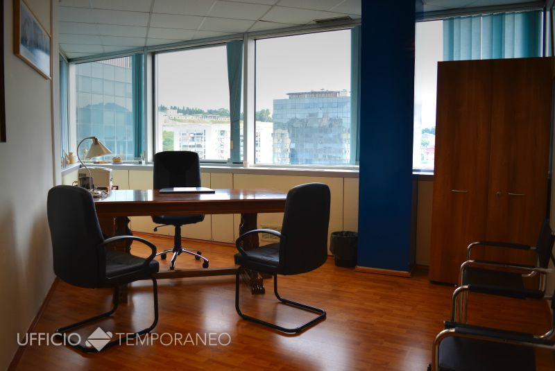 Uffici pronti temporanei a napoli poggioreale ufficio for Uffici arredati napoli