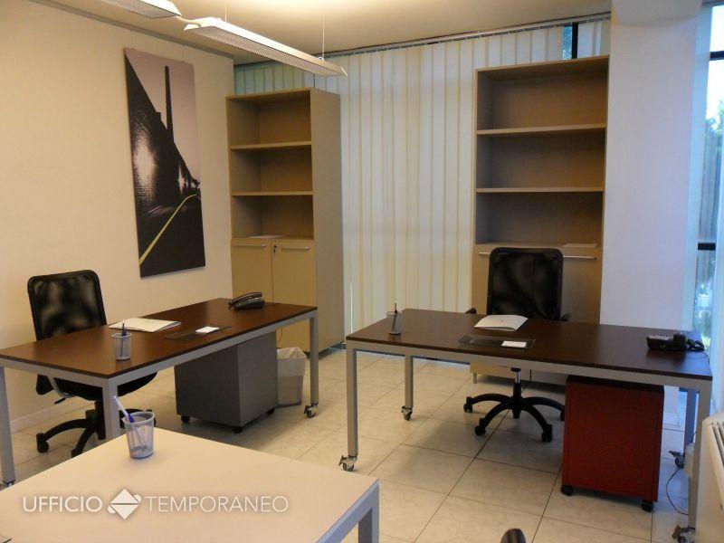 Uffici arredati a tempo prato ufficio temporaneo for Stanze arredate
