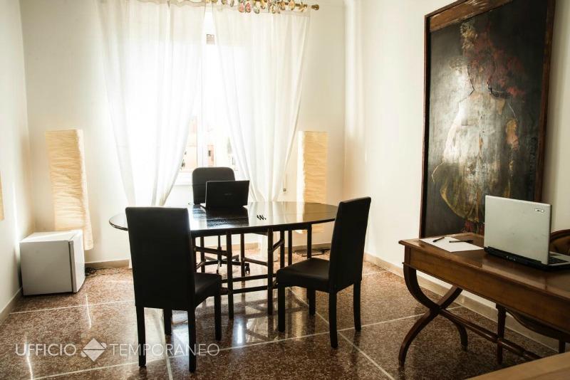 Ufficio stanza chiusa ufficio temporaneo for Stanza uso ufficio roma