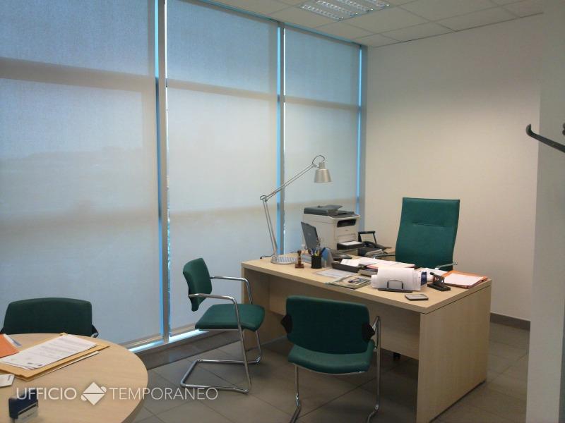 Stanza ufficio roma eur magliana ufficio temporaneo for Stanza uso ufficio roma