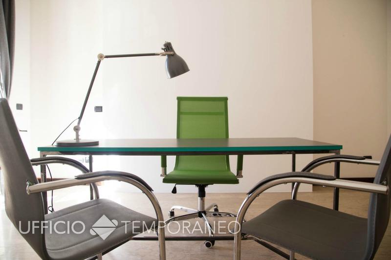 Scrivania Ufficio Lecce : Ufficio temporaneo lecce ufficio ad ore lecce u ufficio temporaneo