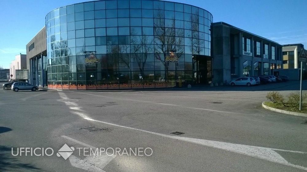 Scrivanie Ufficio Vicenza : Ufficio temporaneo vicenza centro diaz spazi lavoro a tempo