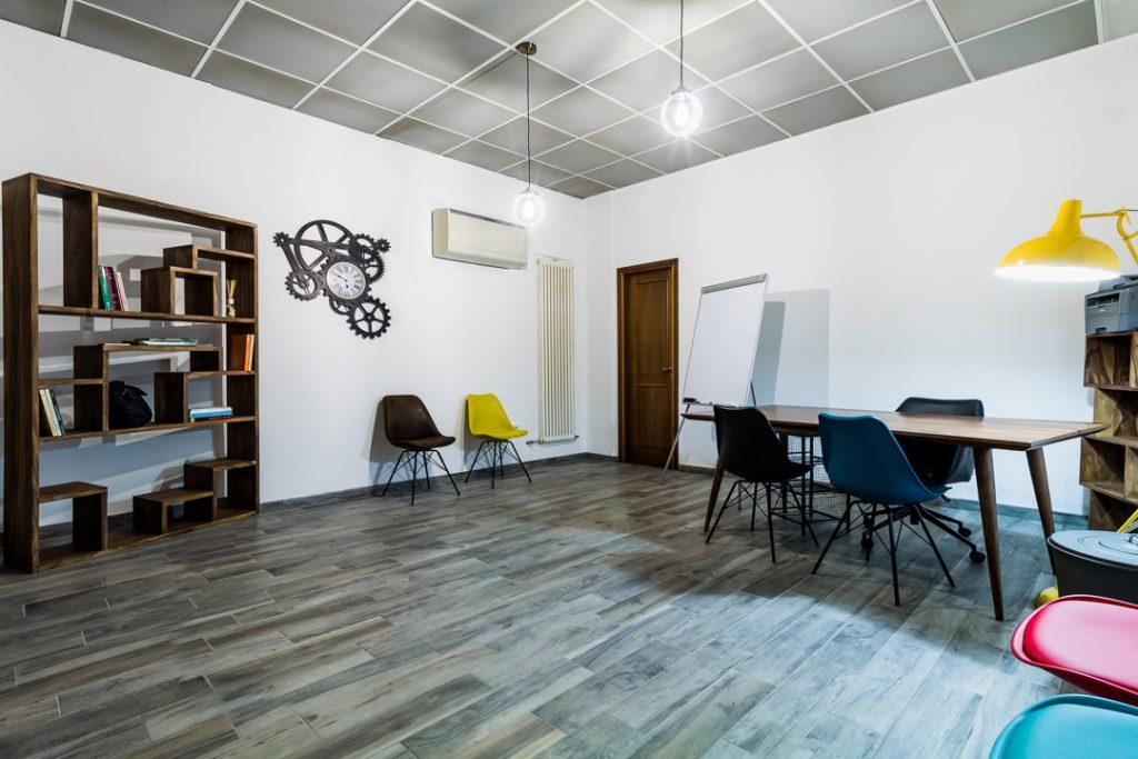 Ufficio In Poco Spazio : Bologna sale riunioni a noleggio in centro storico sale conferenze
